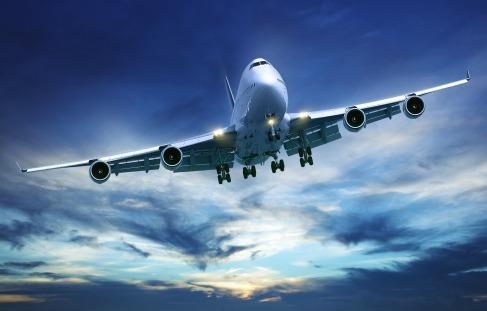Lektuvų bilietai internetu ženkliai pigesni